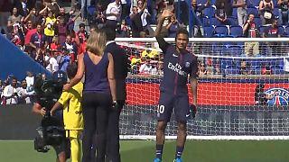 Neymar al Parc des Princes, tifosi in delirio