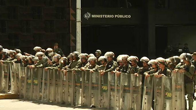 Luisa Ortega Díaz destituída, Leopoldo López regressa a casa