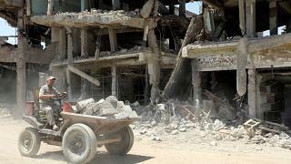 La lente reconstruction de Mossoul
