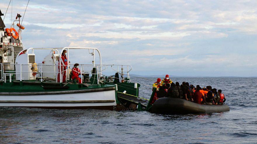 Polícia marítima portuguesa resgata migrantes