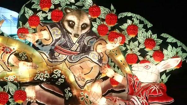 Fabelwesen leuchten in Aomori