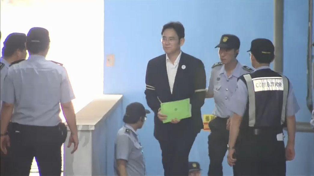 Douze ans de prison requis contre l'héritier de Samsung