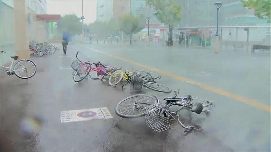 Япония под ударом тайфуна Нору