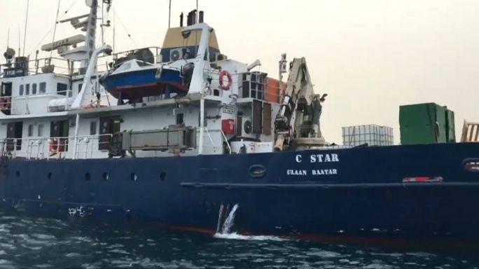 """أوروبيون يمينيون متطرفون على متن سفينة """"سي ستار"""" يمنعون من الرسو في المرافئ التونسية"""