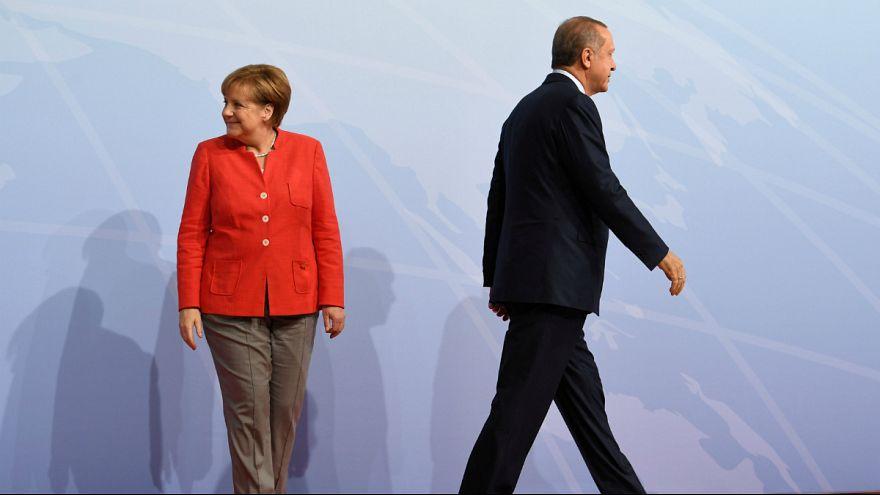 إردوغان يتهم ألمانيا بمساعدة الارهابيين