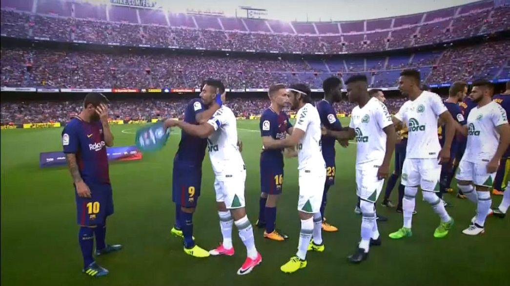 Barcelona oyuncularını uçak kazasında kaybeden Chapecoense'yi ağırladı
