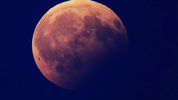 Wow-Momente der Mondfinsternis in 14 Tweets