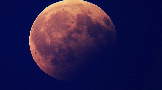 El eclipse lunar en imágenes