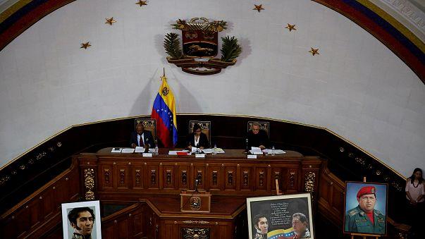 Einstand Caracasban: az alkotmányozó nemzetgyűlés elfoglalta a parlamentet