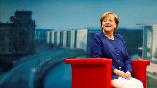 #DeineWahl - Angela Merkel trifft 4 junge YouTuber