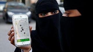 الخطوط السعودية تضع قيودا على ملابس الركاب