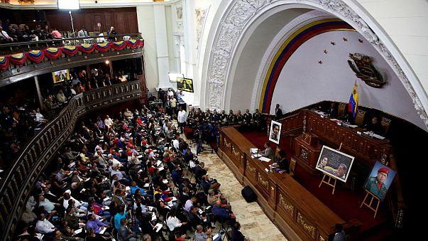 В Венесуэле диктатура?
