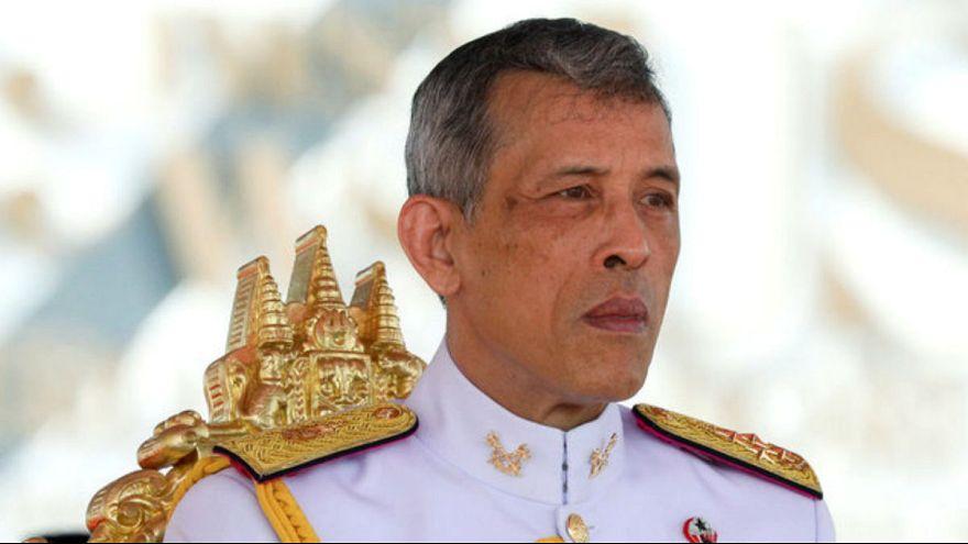 حکم ۱۸ سال زندان به اتهام توهین به پادشاهی تایلند