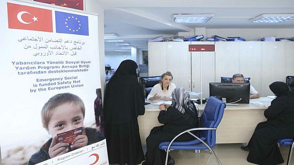Suriyeli mültecilere aylık bağlanıyor