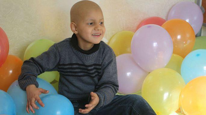 مرضى السرطان في سوريا بين مطرقة الحرب وسندان الفساد
