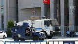 أوامر اعتقال 35 شخصا، من بينهم صحفيين
