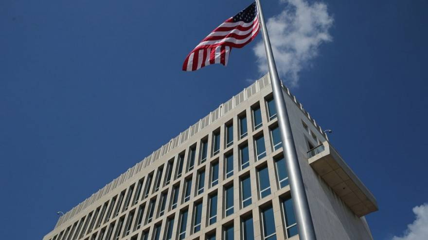 "US expels two Cuban diplomats after its embassy staff in Havana are subject to possible ""acoustic attack"""