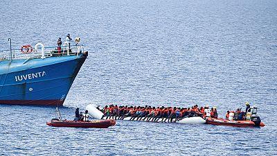 Des passeurs noient des migrants sous la contrainte