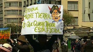 Indígenas contra Morales por una carretera en su reserva