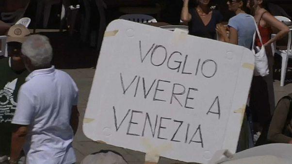 """No a """"Venezialand"""": residenti in piazza"""