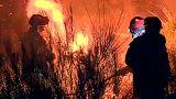 Chamas voltam a ameaçar casas em Portugal