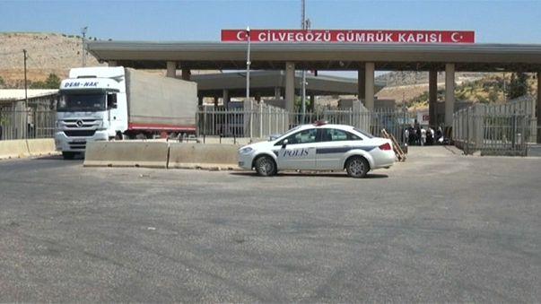 """تركيا تقيّد حركة السلع عند معبر حدودي مع سوريا بعد سيطرة """"جبهة النصرة"""" عليه"""