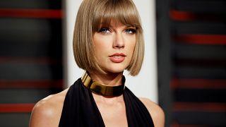 """Taylor Swift (27) ist ganz sicher: """"Er hat mich am nackten Hintern angefasst"""""""