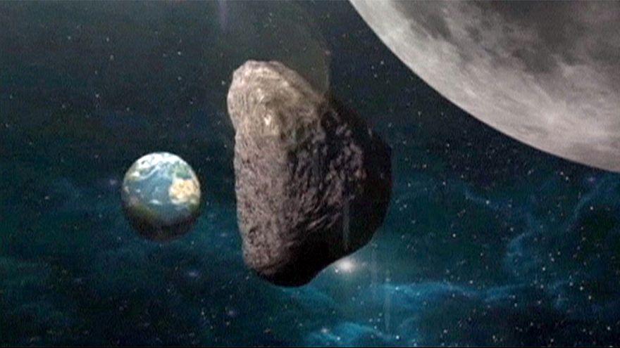 Házméretű aszteroida halad el a Föld mellett