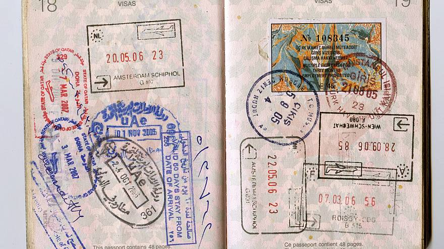 ماذا وراء قرار قطر الاخير السماح لمواطني 80 دولة بالدخول دون تأشيرة؟