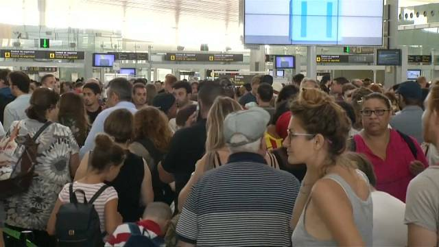 Military replace striking security staff at Barcelona airport