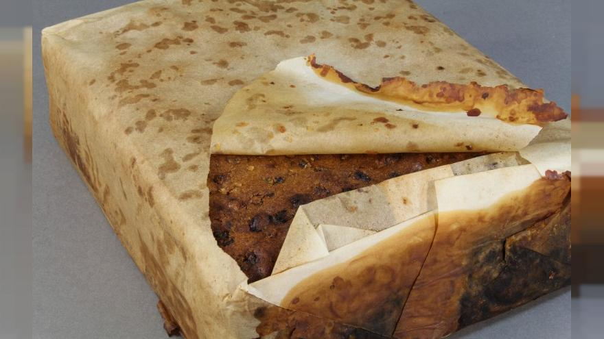Perfectly-preserved 100-year-old fruitcake 'found in Antarctica'