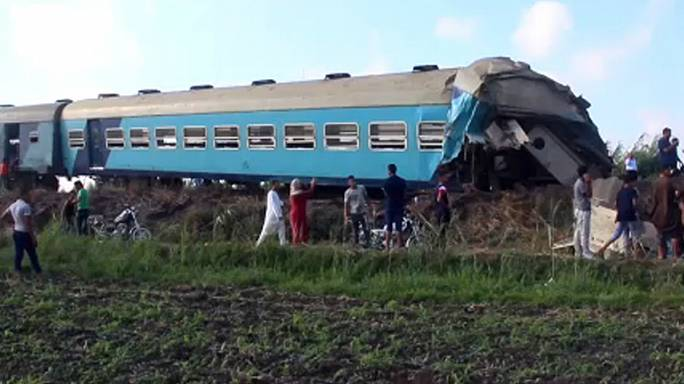 Death toll rising after two trains collide in Egypt