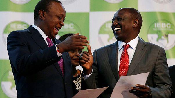 Reeleito, Kenyatta estende a mão à oposição