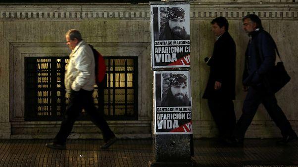 """mobilisation pour """"le retour en vie"""" de Santiago Maldonado"""