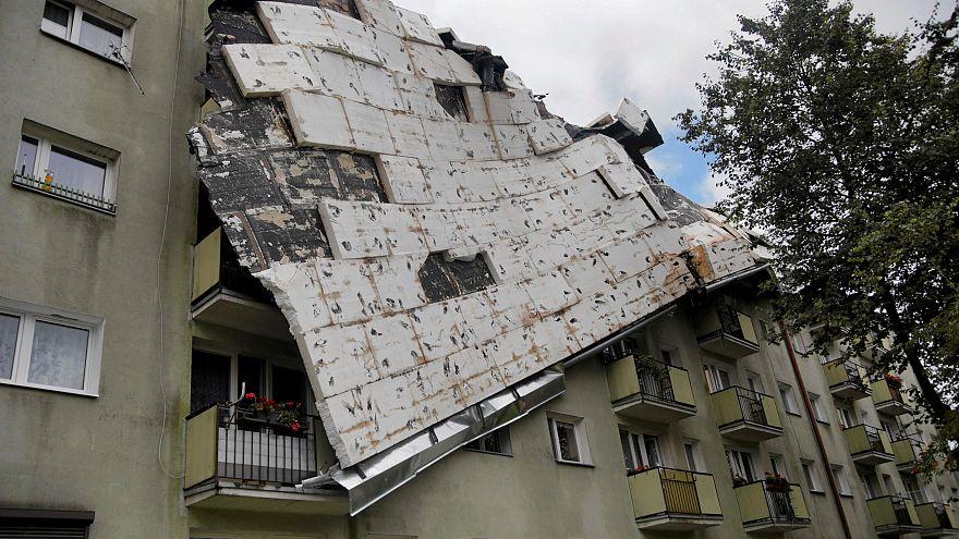 Halálos áldozatai is vannak a heves viharnak Lengyelországban