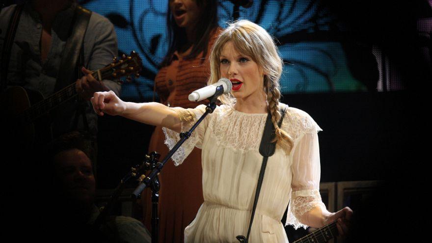 Vorkämpferin Taylor Swift: 1 von 4 Frauen begrapscht und belästigt