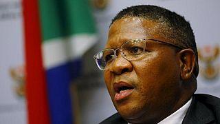 Ministro da Polícia apela a apoio a Zuma no seio do ANC