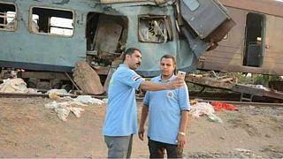 """مصر تعاقب """"مسعفي السيلفي"""" بحادث قطار الاسكندرية"""