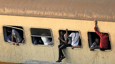 Accident de train en Egypte : six secouristes sanctionnés pour des selfies