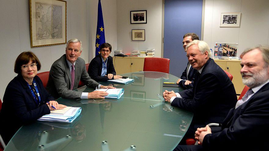 """Londres quer """"período de transição limitado"""" após saída da UE"""