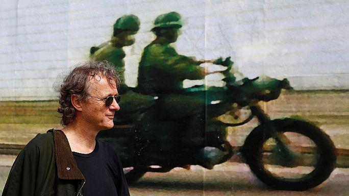 Espiar e ser espiado no muro de Berlim