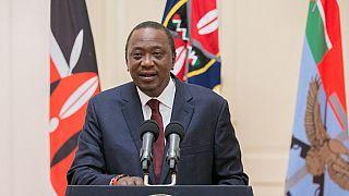 "Kenya Uhuru Kenyatta dénonce des manifestations ""violentes et illégales"""