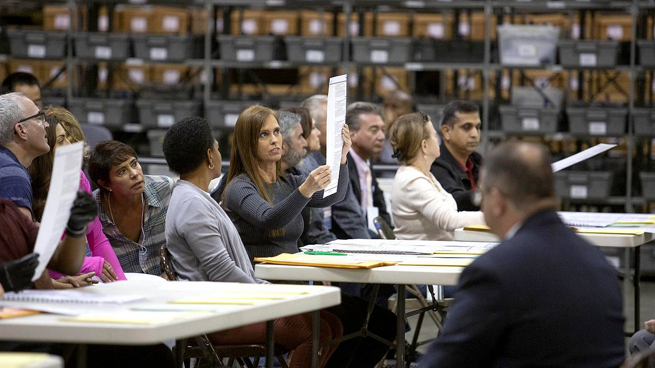 Image: Legally-Mandated Manual Re-Count Begins In Hotly Contested Florida S