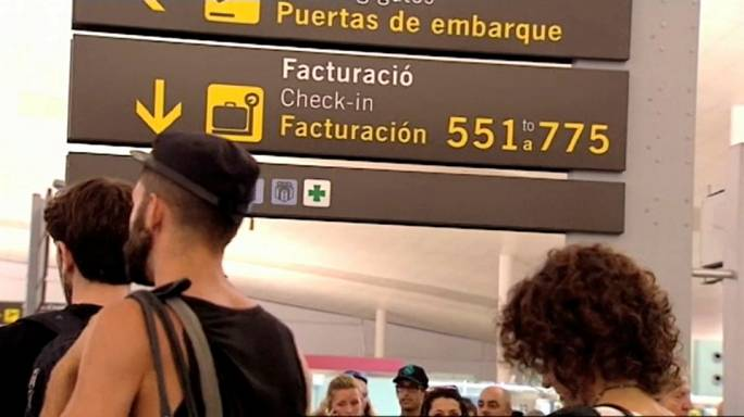 Barcelona airport security staff step up strike action