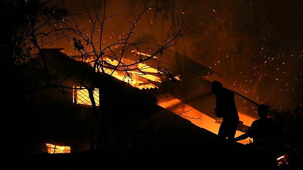 Waldbrand bei Athen: Keine Entwarnung in Sicht