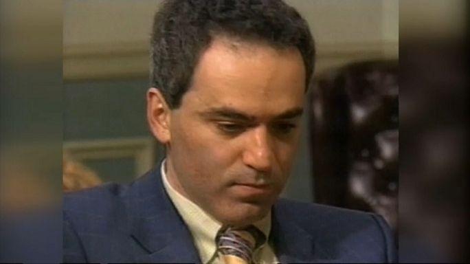 Satrancın efsanesi Kasparov geri döndü