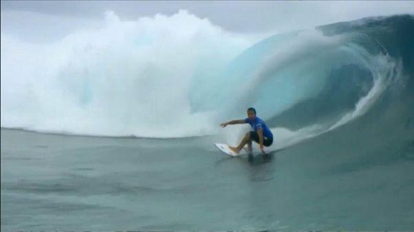 الأسترالي ويلسون يفوز بجولة تاهيتي من بطولة العالم للتزلج على الماء