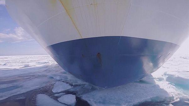 1979 yılından bu yana kuzey kutbu buzulları her yıl yaklaşık 34.000 kilometrekare eriyor