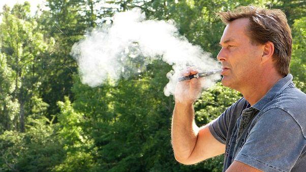 سیگارهای الکترونیک؛ پرخطر همچون سیگارهای معمولی یا بیخطر؟