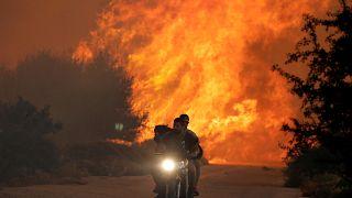 Μια εικόνα, χίλιες λέξεις από την φωτιά στον Κάλαμο